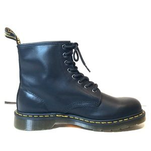 NEW Dr Martens 1460 8-Eye Classic Black Boots